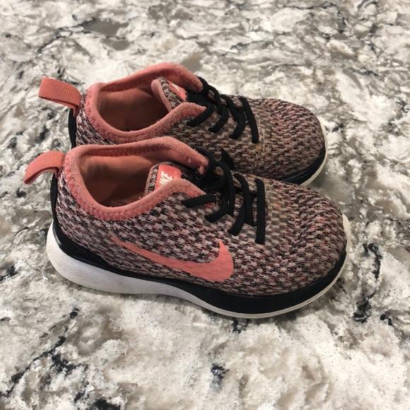 Nike Shoes | Toddler Girls Size 6 Slip
